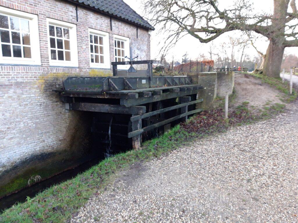 20210108_163133 (2) - Arnhem (NL) - Park Sonsbeek - St. Jasnbeek - Begijnemolen of St. Agnietenmolen (1532) - molengoot - molenrad-