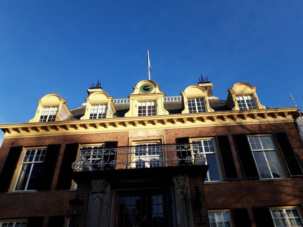 20210110_140300 (2) - Arnhem (NL) - Park Zijpendaal - Huis Zijpendaal - zonlicht - mansardedak -