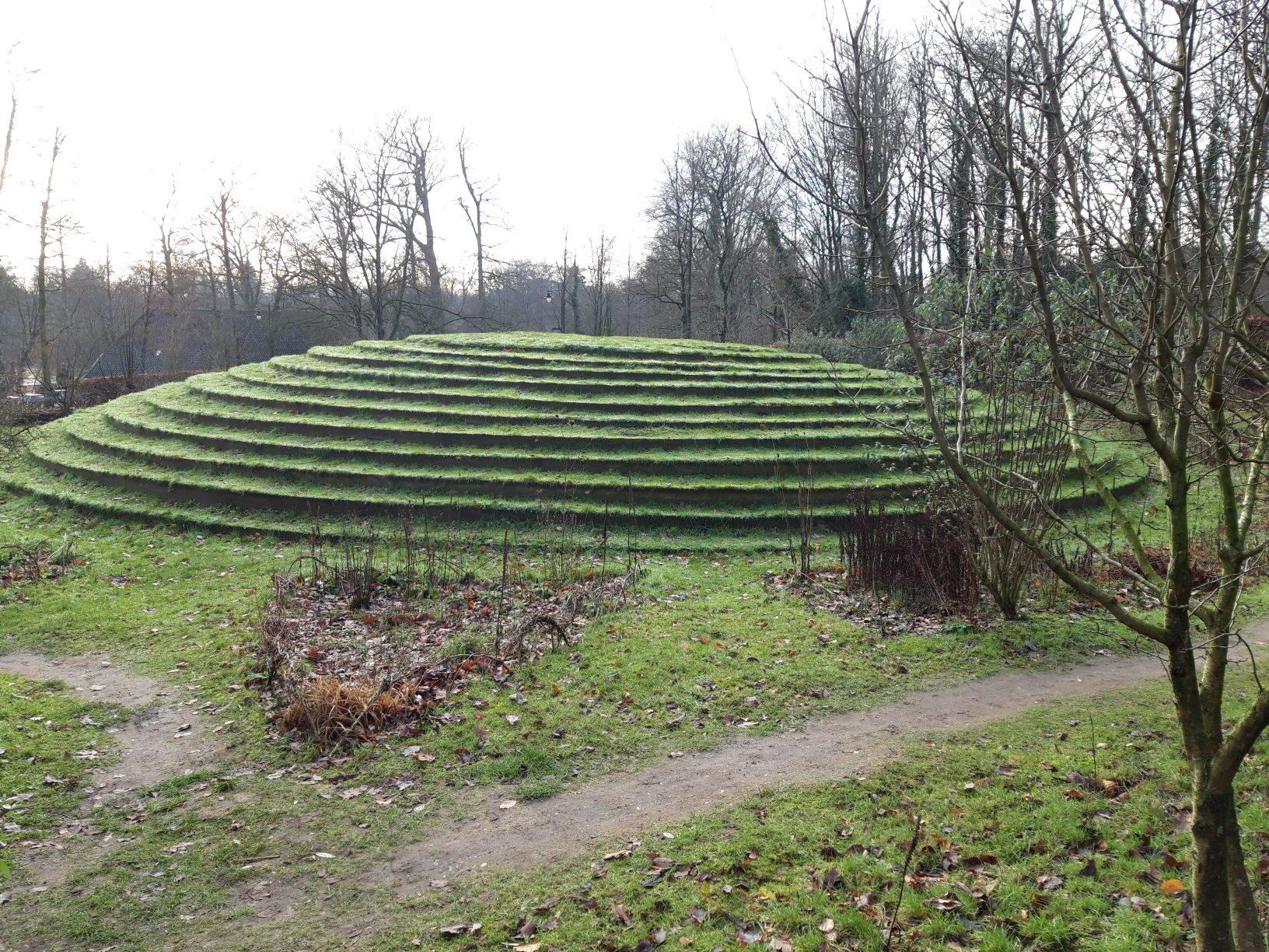 20210110_143811 (2) - Arnhem (NL) - Park Sonsbeek - Park Zijpendaal - kunst in landschap - Vlindertuin - All Happy Now! - Peter Santino (ISA 1948)